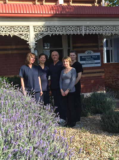 Mooneevale dentists